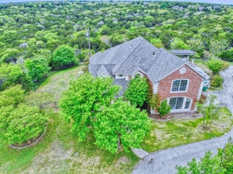 64 S Mountain Oak Road, Clifton, Texas