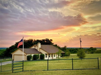 301 Crumley Lane, Gatesville, Texas