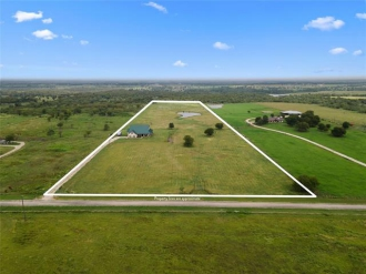 970 W Somers Lane, Axtell, Texas