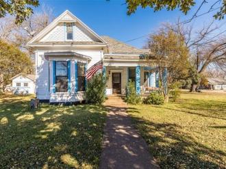 100 E Broadway Street, West, Texas