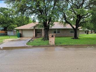 904 E Craven Avenue, Lacy Lakeview, Texas