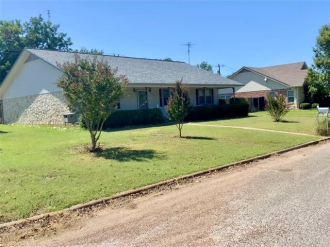 702 N Avenue O, Clifton, Texas